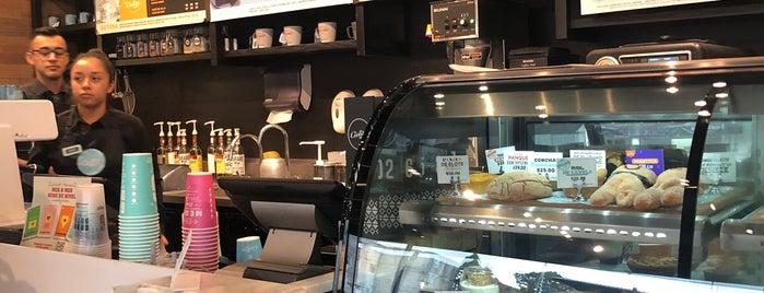 Cielito Querido Café is one of Tempat yang Disukai Stephania.