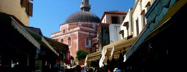 Rodos Old Town Bazaar is one of Onur 님이 좋아한 장소.