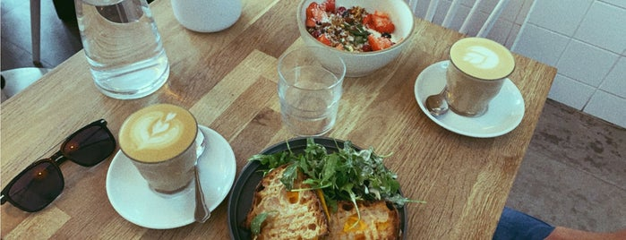 Café Oberkampf is one of Lauren 님이 저장한 장소.