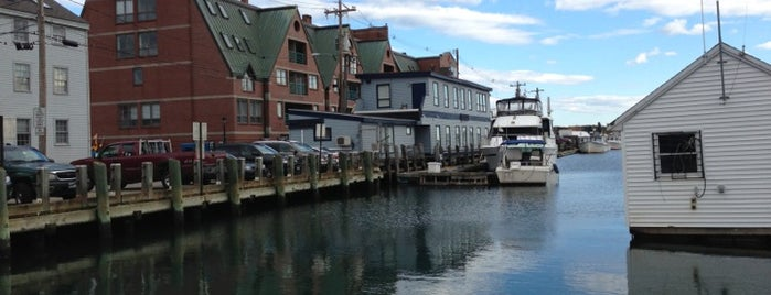 J's Oyster Bar is one of Maine!.
