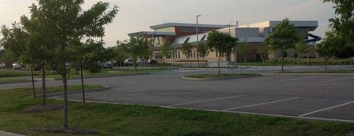 Williams Farm Recreation Center is one of Orte, die Dawn gefallen.
