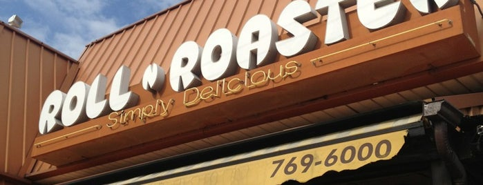 Roll N Roaster is one of Lugares guardados de Colleen.