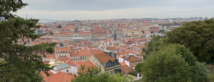 Miradouro do Castelo de São Jorge is one of Posti che sono piaciuti a Rafael.