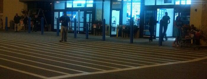 Walmart is one of Lieux qui ont plu à Sheena.