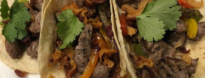 El Fish & Grill is one of Locais curtidos por JCarlos.