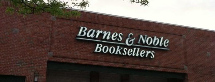 Barnes & Noble is one of C.C.'ın Beğendiği Mekanlar.