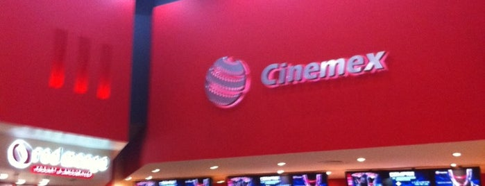 Cinemex is one of Lugares favoritos de Eduardo.