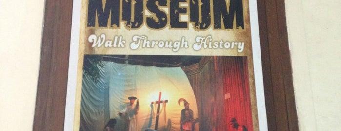Bagumbayan Light & Sound Museum is one of Filipinler-Manila ve Palawan Gezilecek Yerler.