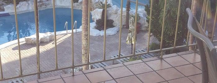 Freeport Resort and Club is one of Orte, die Camille gefallen.