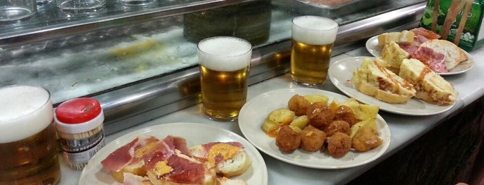Sidrería El Tigre is one of Madrid con tapa.