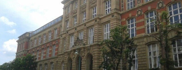 Altes Hauptgebäude is one of Darmstadt - must visit.