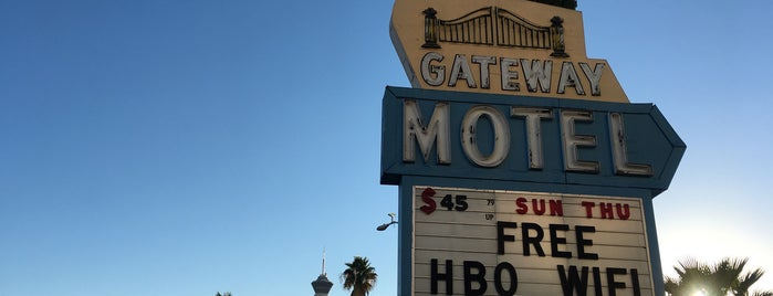 Gateway Motel is one of Neon 💡.