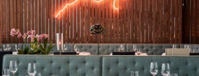 Phoenix Restaurant & Bar is one of Dusseldorf.