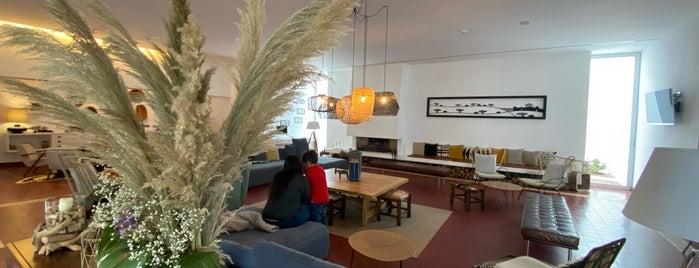 Ecorkhotel - Évora Suites e Spa is one of Random places.
