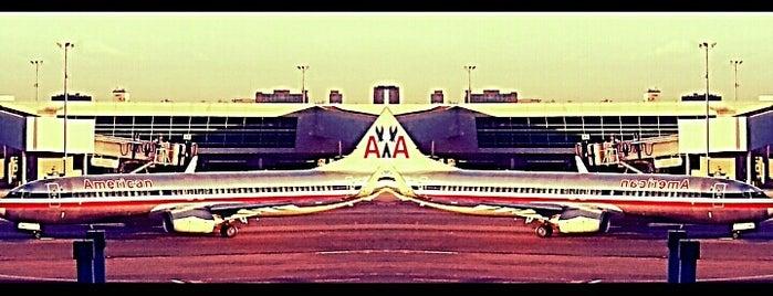 John F. Kennedy International Airport (JFK) is one of Orte, die Crystal gefallen.