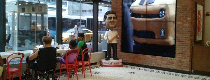 Carlo's Bake Shop is one of Crystal : понравившиеся места.