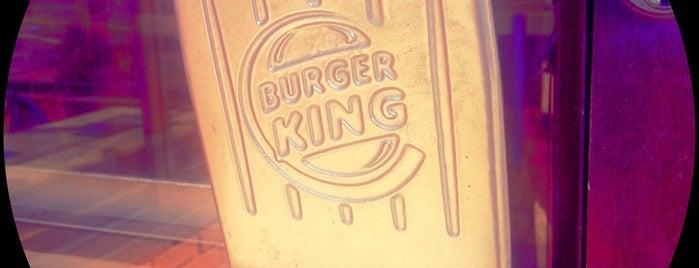 Burger King is one of Orte, die Crystal gefallen.