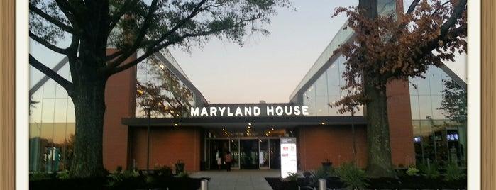 Maryland House Travel Plaza is one of Orte, die Crystal gefallen.