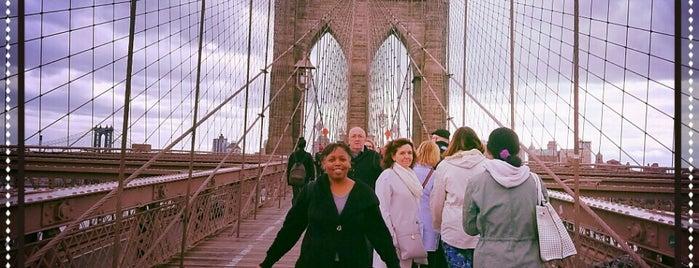 Brooklyn Bridge is one of Orte, die Crystal gefallen.
