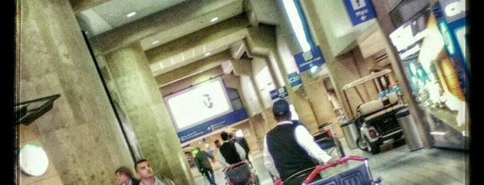 Международный аэропорт Даллас/Форт-Уэрт (DFW) is one of Crystal : понравившиеся места.