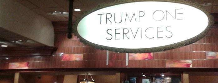 Trump Plaza Hotel & Casino is one of Crystalさんの保存済みスポット.