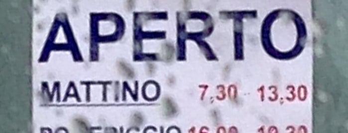 Pescheria Comunione Lui Remo Mercato del Pesce is one of สถานที่ที่ Enrico ถูกใจ.