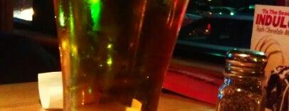Applebee's Grill + Bar is one of Lugares favoritos de Michael.