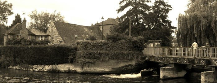 The Old Mill Hotel is one of Viaje stonehenge & rodalies.