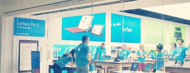 Microsoft Pop up Store is one of Locais curtidos por Kyusang.