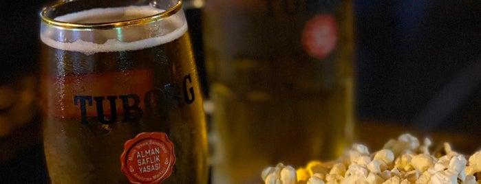 Sir Winston Pub is one of İzmir.