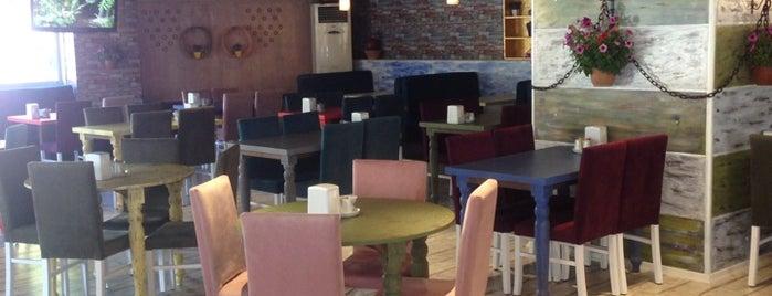 Duetto Bistro & Cafe is one of Lugares favoritos de Buse.