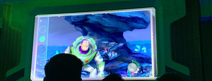 Buzz Lightyear Planet Rescue is one of Lieux qui ont plu à Alan.