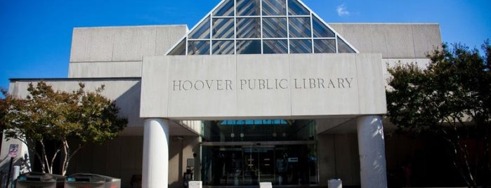 Hoover Public Library is one of Tempat yang Disimpan Chelly.