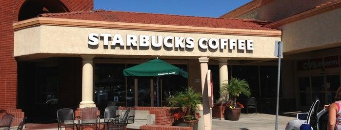 Starbucks is one of สถานที่ที่ Fatih ถูกใจ.