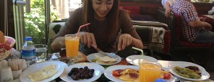 Adıbelli Cafe & Fast Food is one of Lugares guardados de Cengiz.