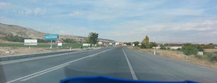 Kayseriden Acilen Uzaklastiran Bir Karayolunun Bilmem Kacinci Kmsi :) is one of Orte, die Yunus gefallen.