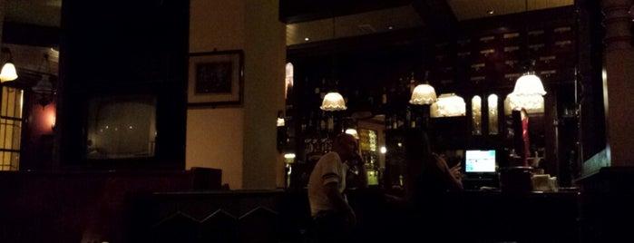 Whelan's Irish Pub is one of [Por Explorar] ocio nocturno.