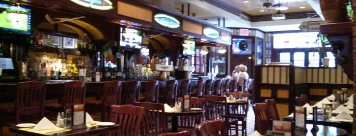 Molly Wee Pub & Restaurant is one of Happy Hour Spots.