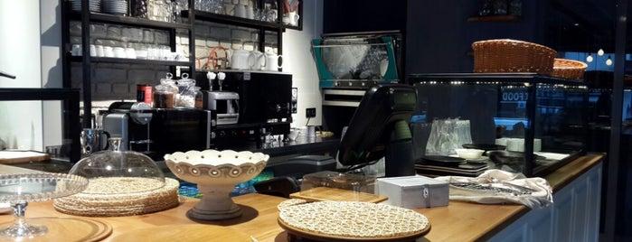 Zinde Café is one of Tempat yang Disukai Bilge.