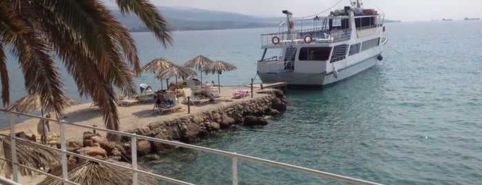 King Saron Hotel Corinthia (Greece) is one of Locais curtidos por Tolis.