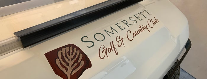 Somersett Country Club is one of Tempat yang Disukai Vince.