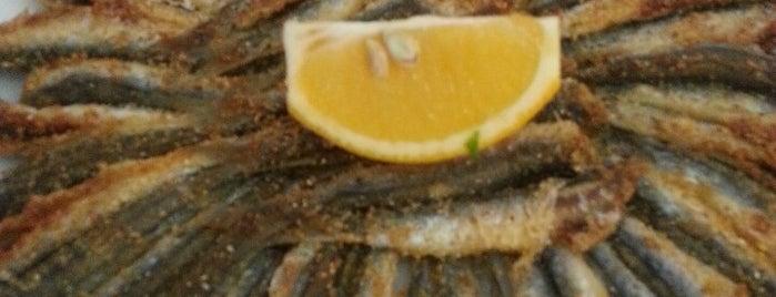 Karadeniz Balık Evi is one of İzmir Karışık Yemek.