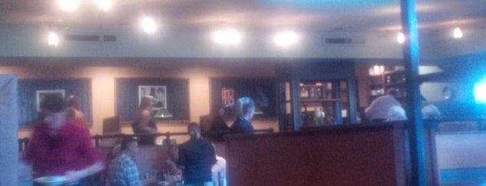Barrel Restaurant is one of Posti che sono piaciuti a Bruce.