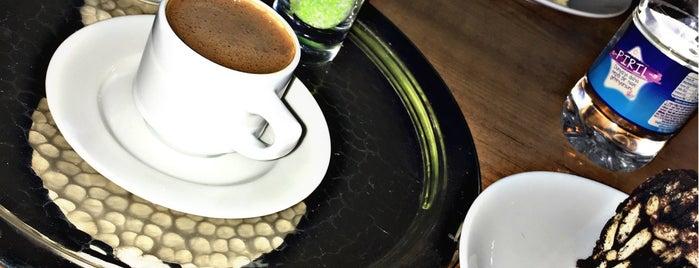 Ekin Cafe & Pastane is one of สถานที่ที่ Elif ถูกใจ.