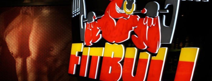 Fitbull Store - Maslak is one of Lieux qui ont plu à Canan.