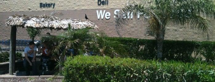 Walmart Supercenter is one of Posti che sono piaciuti a Rita.