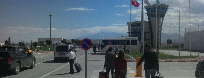 Iğdır Şehit Bülent Aydın Havalimanı (IGD) is one of Locais curtidos por Arzu.