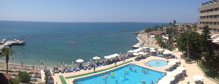 Jasmine Beach Hotel is one of Duygum'la gittiğim yerler.