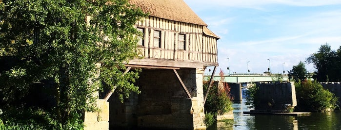 Le Vieux-Moulin is one of Arsentii : понравившиеся места.