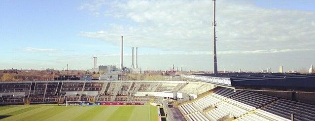 Städtisches Stadion an der Grünwalder Straße is one of 83'ın Beğendiği Mekanlar.
